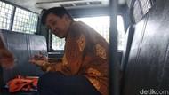 Terdakwa Sidang Kasus Suap Meikarta di Bandung Diborgol Jempol