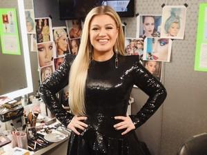Tanpa Olahraga, Ini Rahasia Kelly Clarkson Turun 37 Kg