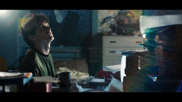 Kenalan dengan Pemain 'Black Mirror: Bandersnatch'