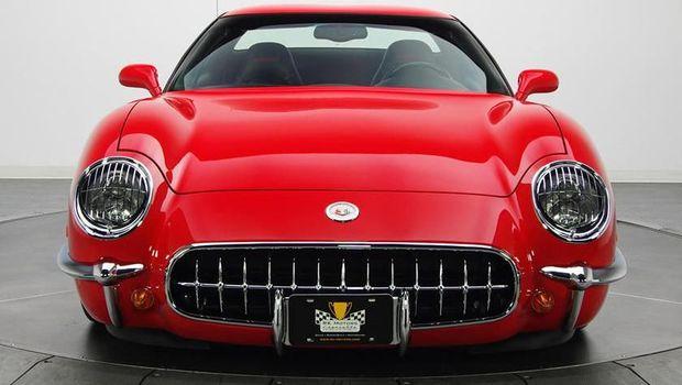 Corvette Bergaya Klasik Ini Punya Jeroan Masa Kini