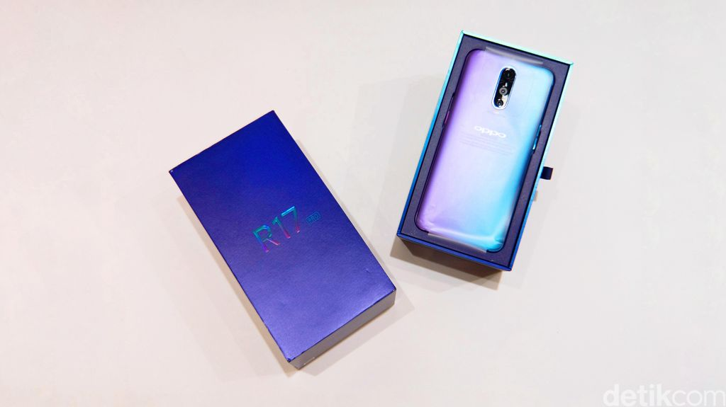Ponsel ini menawarkan sejumlah keunggulan. Adapun unit yang kami unboxing masih versi China. Foto: Adi Fida Rahman/detikINET