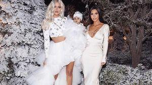 Dekorasi Pesta Natal Kim Kardashian Bikin Takjub, Ada Bukit Salju di Halaman