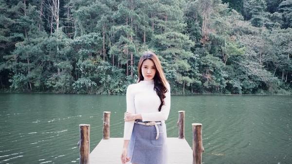 Faktanya, Milin bukan PNS di Indonesia, apalagi di Thailand. Milin hanyalah gadis biasa yang berprofesi sebagai seorang model. Selain giat bekerja, Milin rupanya hobi jalan-jalan. (Instagram/@milinb3rry)
