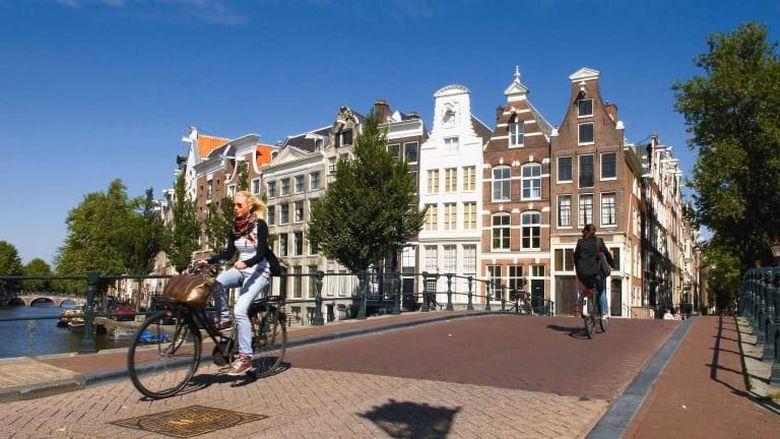 Bersepeda di Belanda