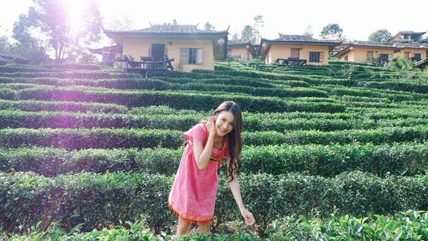 Ini saat Milin jalan-jalan di Thai Love Village, Provinsi Mae Hong Son. Atas kecantikannya, Milin pernah terpilih sebagai Runner Up kedua Miss Maehongson 2014. (Instagram/@milinb3rry)