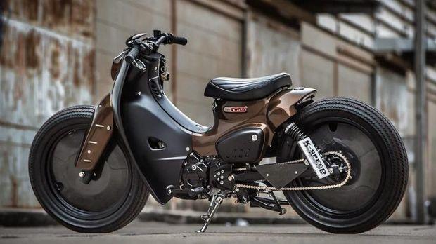 Honda Super Cub diperkuat jantung penggerak 109 cc empat langkah silinder tunggal.