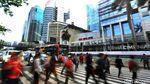 Potret Kesibukan Warga Jakarta Usai Libur Akhir Tahun