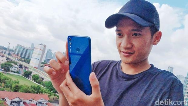 Wisnu dan Honor 8X