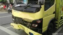Truk Muat Ribuan Liter Arak Tabrak Pengendara Motor, 2 Orang Tewas