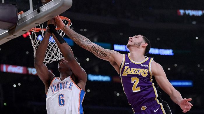 Okahoma City Thunder mengalahkan LA Lakers di kandang sendiri. (Foto: Harry How/Getty Images)