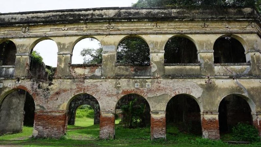 Benteng Kuno di Ngawi yang Cocok Buat Prewedding