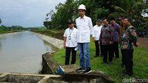 Tinjau Perbaikan Irigasi di Blitar, Jokowi: Agar Air Tak Hilang