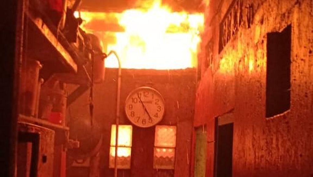 Kebakaran di Tambora Jakbar, Puluhan Rumah Terbakar