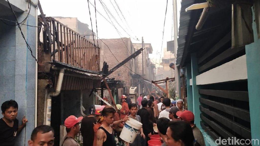 Kebakaran Rumah di Tambora Jakbar Padam