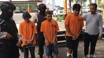 Begini Cerita Pasutri Gagal Rampok Mobil Taksi Online di Mojokerto