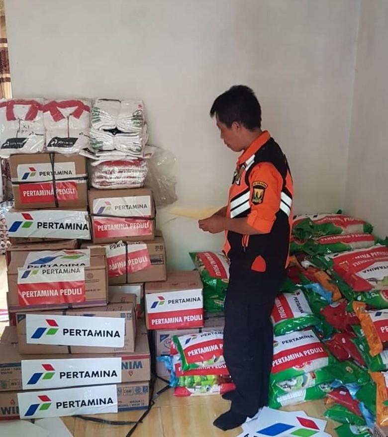 Pertamina Salurkan Bantuan untuk Korban Longsor Sukabumi