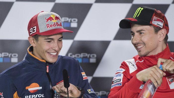 Marc Marquez dan Jorge Lorenzo bakal saling mengalahkan. (Foto: Mirco Lazzari gp/Getty Images)