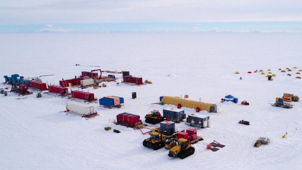 Ilmuwan Selidiki Danau Raksasa Misterius di Bawah Antartika