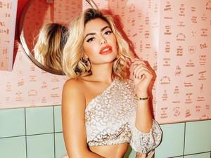 Bintang Reality TV Sesak Napas Hingga Dilarikan ke RS Setelah Warnai Rambut