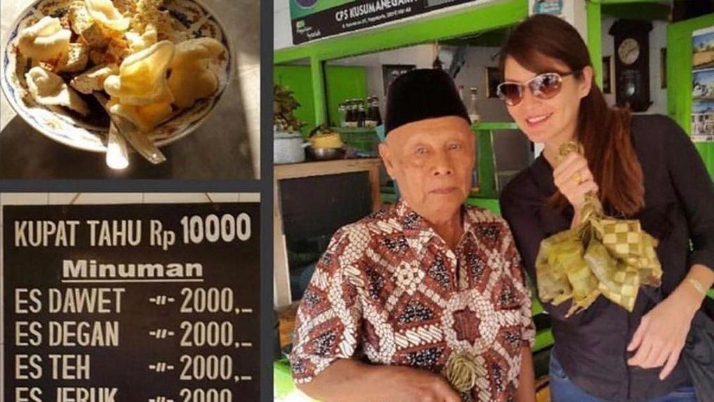 Gaya Kece Tamara Bleszynski Belanja di Pasar Tradisional