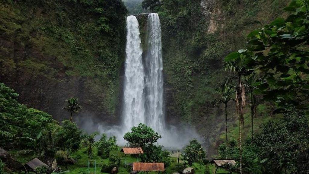 Air Terjun Sanghyang Taraje Seindah Ini!
