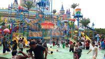 Foto: Libur Awal Tahun di Surabaya, Ada Atlantis Land!