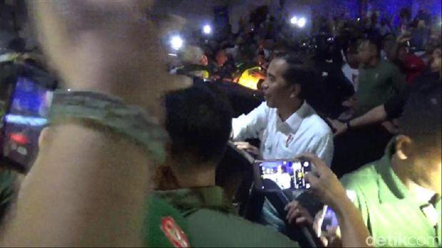 Jokowi Disambut Santri dari Berbagai Ponpes di Tulungagung