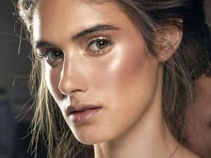 5 Tren Makeup yang Populer di 2019