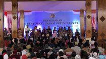 Jokowi Bagikan 2.500 Sertifikat Tanah untuk Warga Blitar