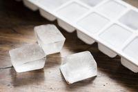 Bakteri Berbahaya Ternyata Tetap Hidup Dalam Es Batu Buatan Sendiri