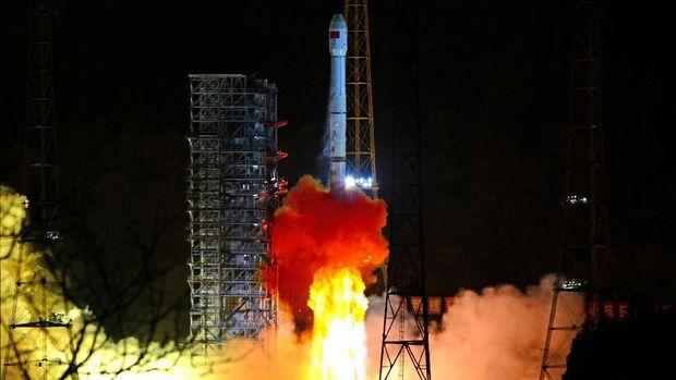 Momen saat Chang'e 4 Rover diluncurkan ke Bulan dengan roket Long March-3B pada 8 Desember 2018