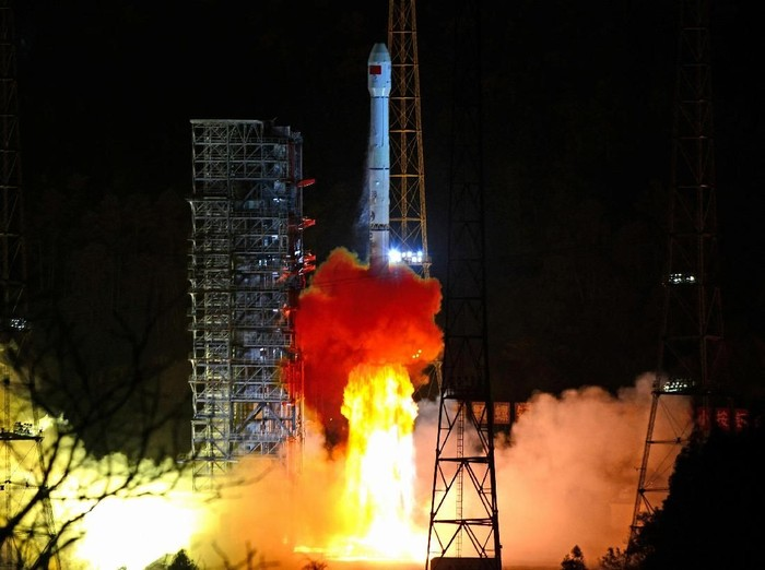 FILE PHOTO: A Long March-3B rocket carrying Change 4 lunar probe takes off from the Xichang Satellite Launch Center in Sichuan province, China December 8, 2018.  REUTERS/Stringer/File Photo ATTENTION EDITORS - THIS IMAGE WAS PROVIDED BY A THIRD PARTY. CHINA OUT.