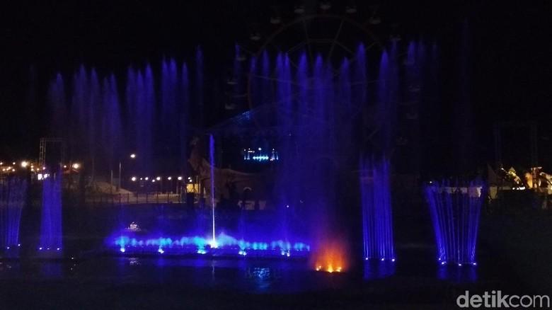 Air Mancur Jejogetan di Saloka Themepark, Semarang. (Eko Susanto/detikTravel)