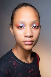 Five Makeup Tips From A Pro Makeup Artist: 5 Tren Makeup Yang Populer Di 2019