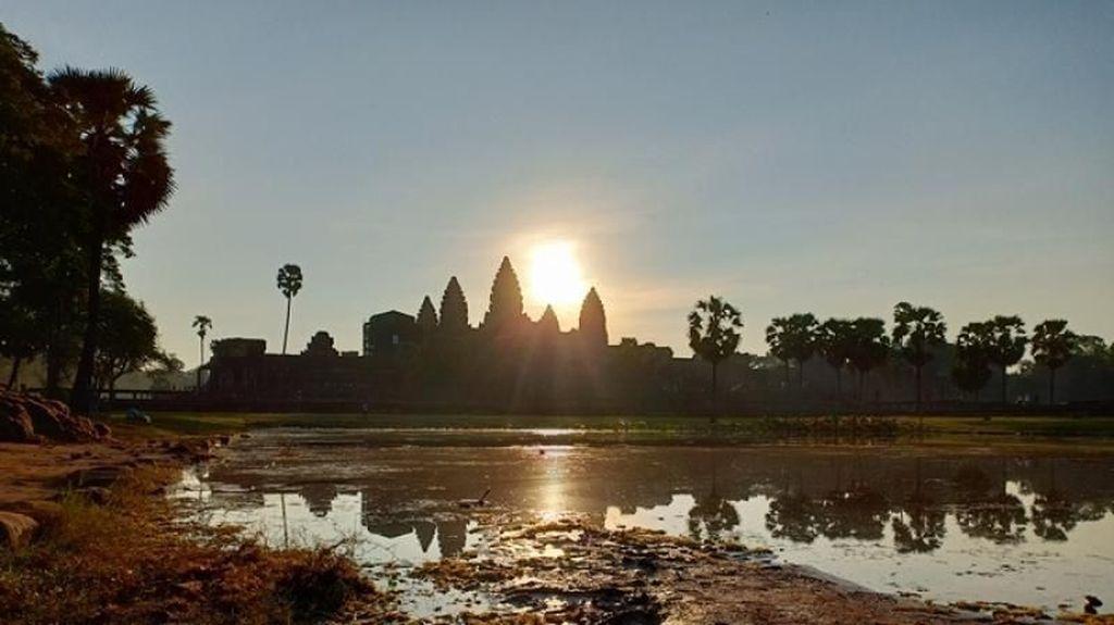 Angkor Wat dan Keunikan Kamboja yang Wajib Dikunjungi
