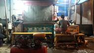 Polisi Gerebek Kios Penjual Miras yang Tewaskan Dua Warga Surabaya