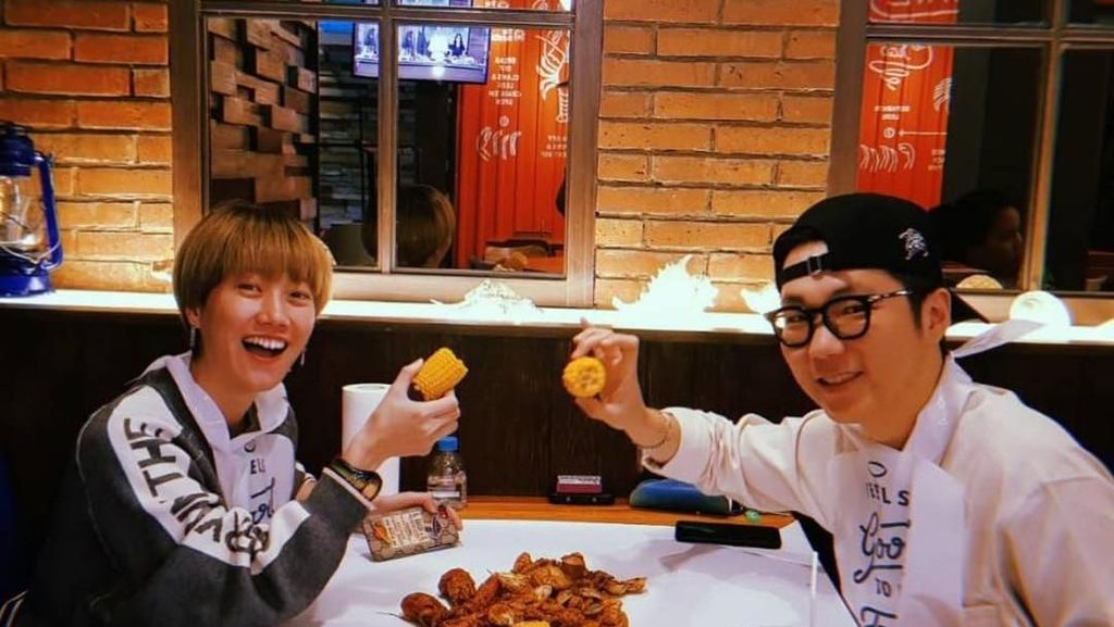 Kulineran YouTuber Hits Ria SW, dari Seoul hingga Nasgor Pinggir Jalan