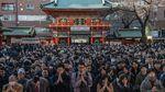 Ribuan Warga Jepang Berdoa di Hari Pertama Kerja Awal Tahun