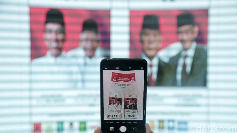 Selisih Jokowi-Maruf Vs Prabowo-Sandi di 5 Survei Terbaru