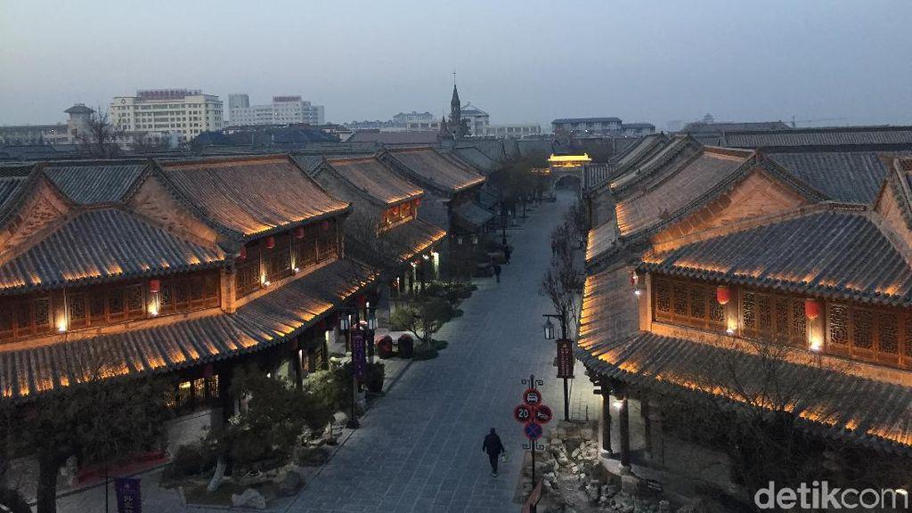 Foto: Kota Tua di China yang Cantik Saat Malam Tiba