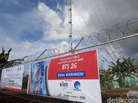 Warga Pulau Morotai Berkumpul Cari Sinyal Internetan