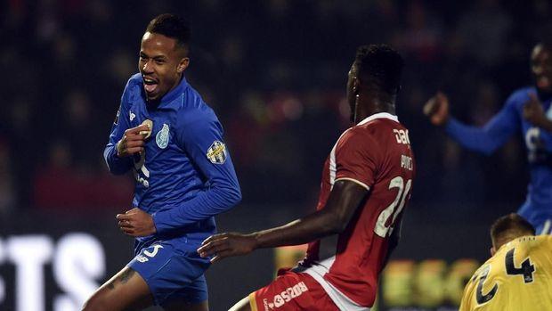 Eder Militao langsung bersinar di musim pertama bersama FC Porto.