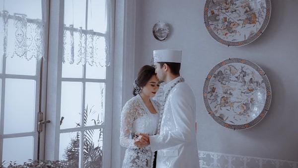 Aura Kasih Menikah Diam-diam Bukan karena Hamil Duluan