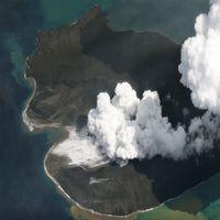 Gunung Anak Krakatau yang terpantau pada 2 Januari 2019.