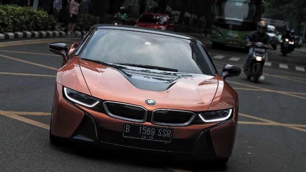Mobil Sport Ramah Lingkungan BMW i8 Roadster