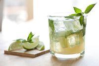 Apa Benar Rutin Minum Air Jeruk Nipis Bisa Turunkan Berat Badan?