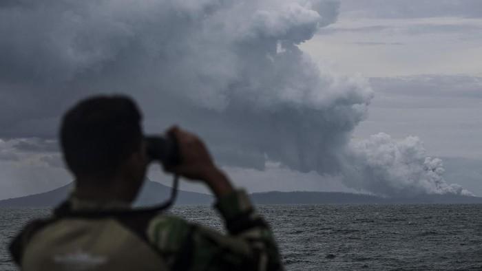 Kondisi Gununga Anak Krakatau pada Selasa (1/1/2019).