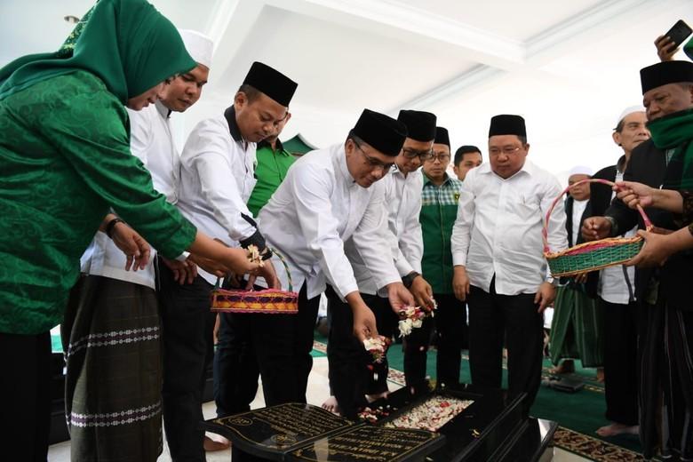 Di Bogor, Pengurus PPP Ziarah ke Makam KH Idham Chalid