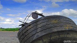 Kenali Penyebab-penyebab Ban Mobil Bisa Pecah di Jalan