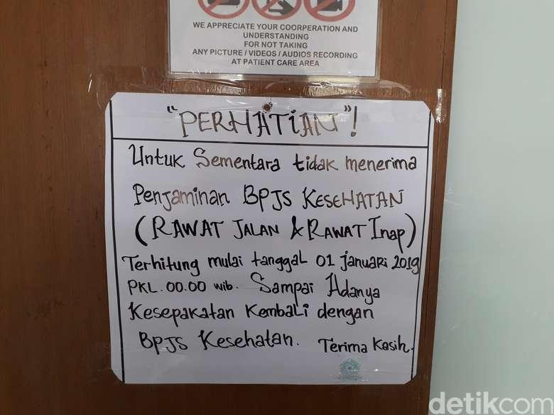 Per tanggal 1 Januari 2019, RS Karya Medika 2 Tambun untuk sementara tidak melayani pelayanan kesehatan bagi pasien dengan menggunakan BPJS Kesehatan. Foto: Rosmha/detikHealth